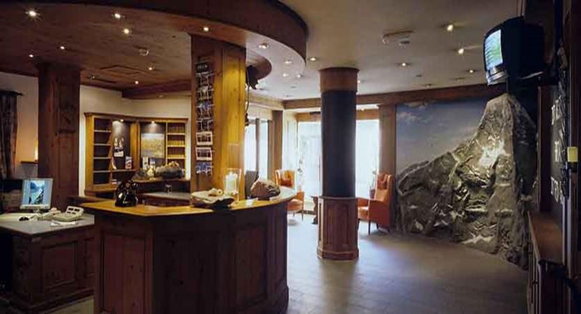 Eiger Self-Catering Apartments, Grindelwald, Bernese Oberland, Switzerland - Reception.jpg