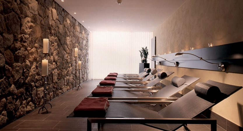 Eiger Self-Catering Apartments, Grindelwald, Bernese Oberland, Switzerland - Relaxation room.jpg