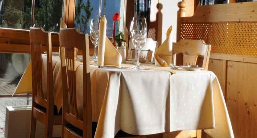 Hotel Bodmi, Grindelwald, Switzerland - Restaurant.jpg