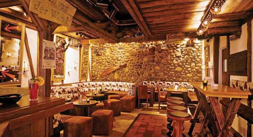 Hotel Eiger, Grindelwald, Bernese Oberland, Switzerland - Gepsi bar.jpg