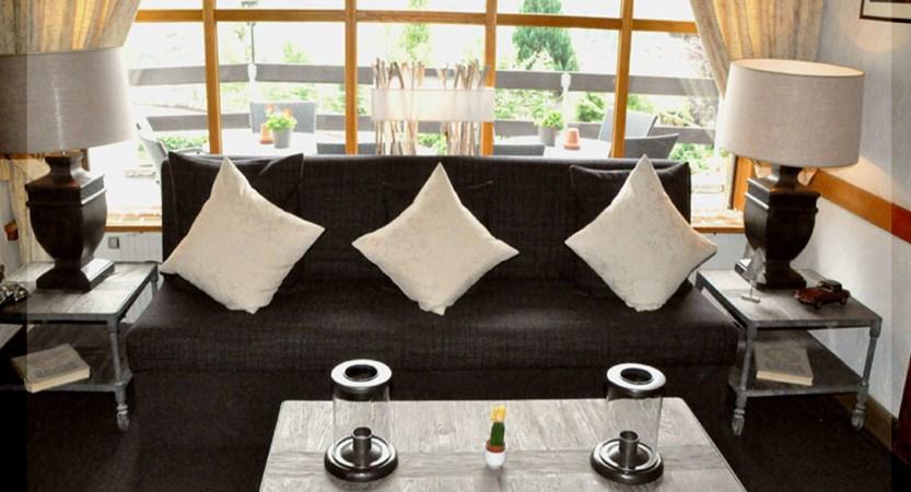 Hotel Jungfrau Lodge, Grindelwald, Bernese Oberland, Switzerland - lounge area.jpg