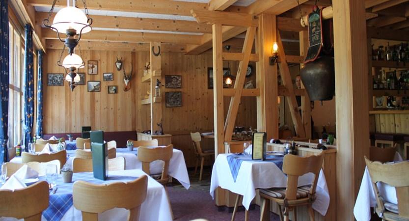 Hotel Jungfrau Lodge, Grindelwald, Bernese Oberland, Switzerland - restaurant.jpg