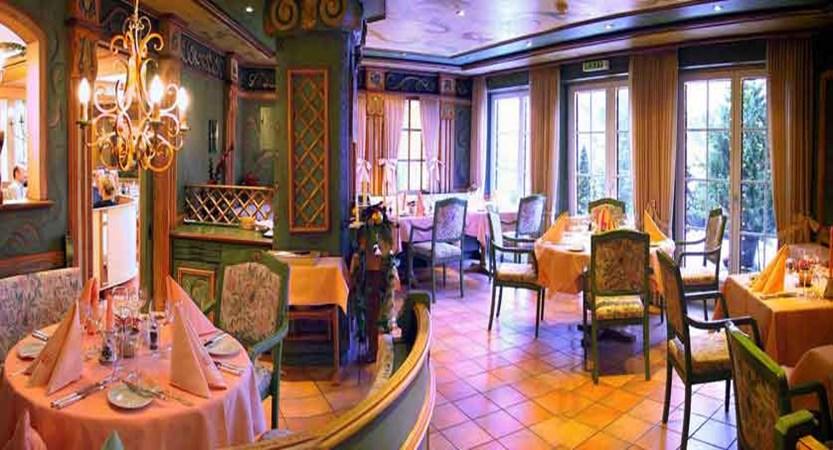 Romantik Hotel Schweizerhof, Grindelwald, Bernese Oberland, Switzerland - à la carte restaurant.jpg