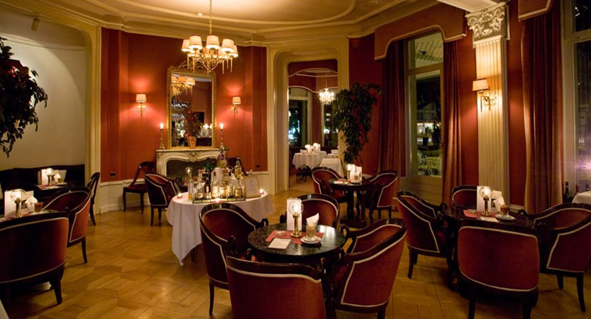 Lindner Grand Hotel Beau Rivage, Interlaken, Bernese Oberland, Switzerland - bar.jpg