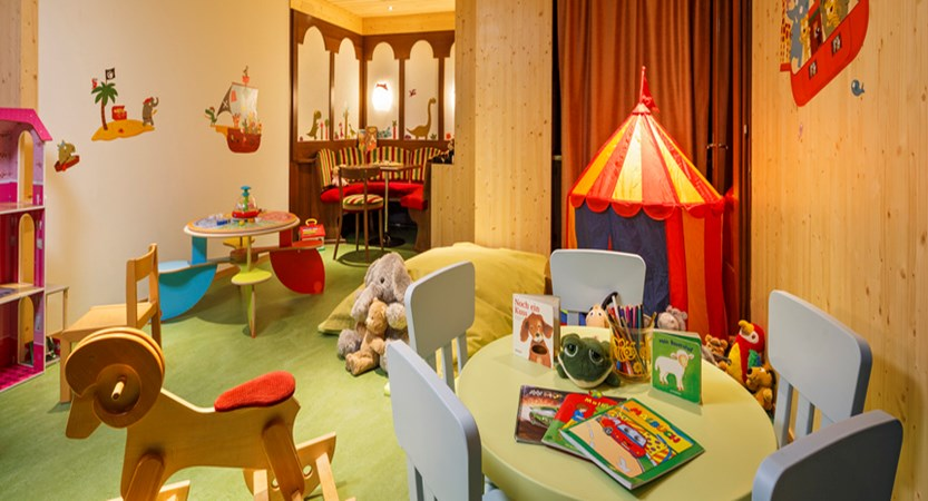 Beausite Park & Jungfrau Spa, Wengen, Bernese Oberland, Switzerland - children's playroom.jpg
