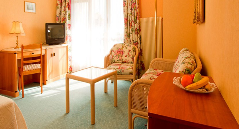 Hotel Wengenerhof, Wengen, Bernese Oberland, Switzerland - superior room with balcony.jpg