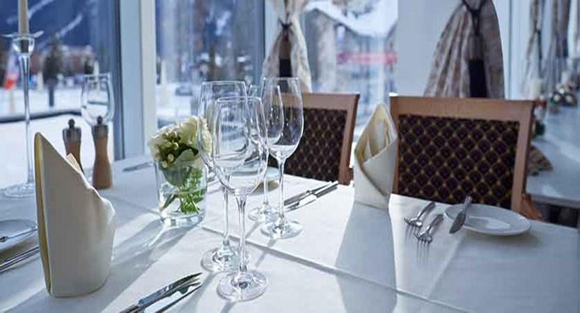 Stübl, Hotel Seehof, Davos, Graubünden, Switzerland - restaurant detail.jpg