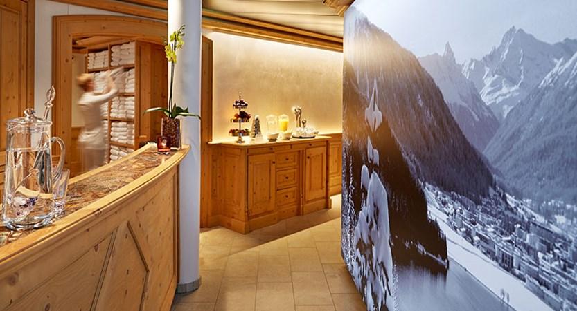 Stübl, Hotel Seehof, Davos, Graubünden, Switzerland - spa reception.jpg