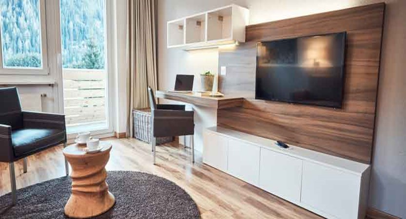 Solaria Apartments, Davos, Graubünden, Switzerland - living area with tv.jpg