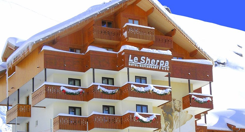 Hotel Le Sherpa exterior