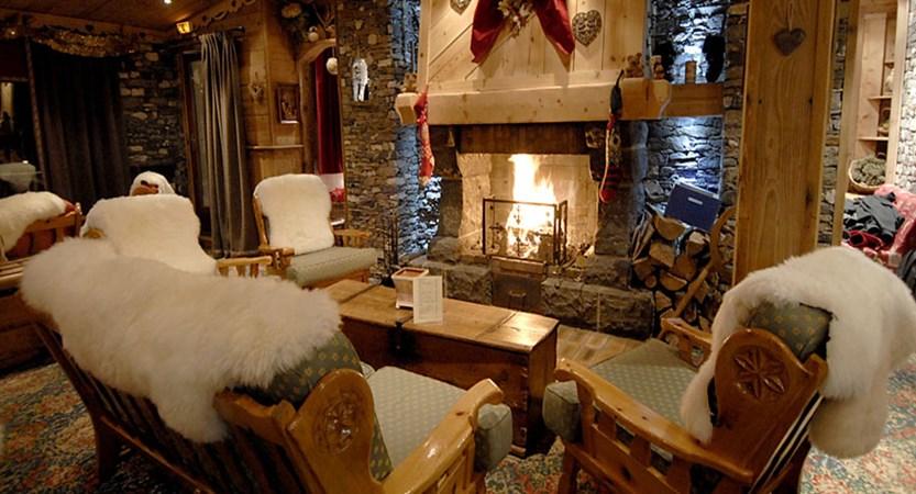 Hotel Le Sherpa Lounge area