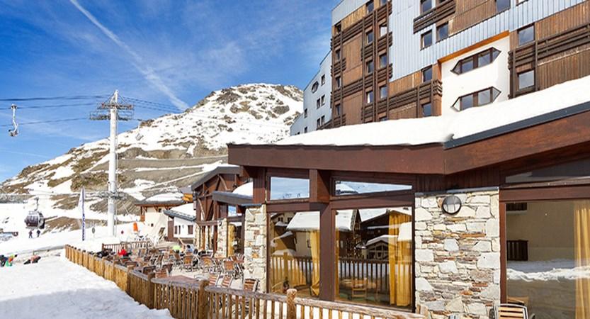 Hotel Club les Arolles terrace