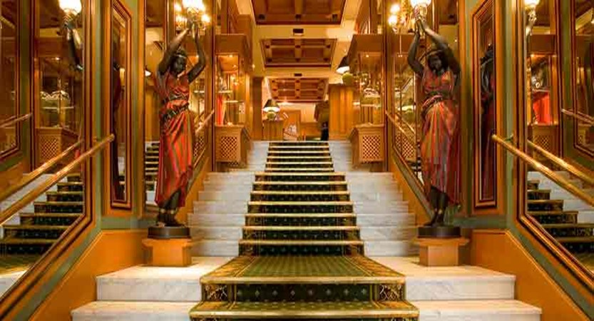 Hotel Carlina entrance