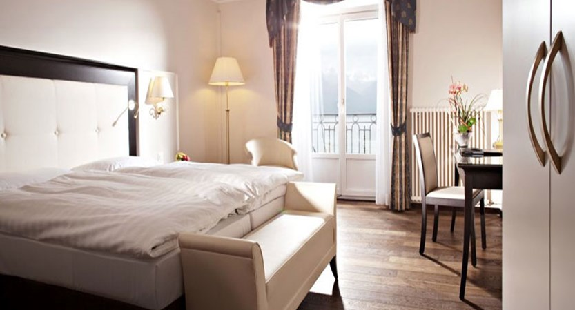 Hotel Suisse Majestic, Montreux, Switzerland - Superior twin room with balcony and lake view.jpg