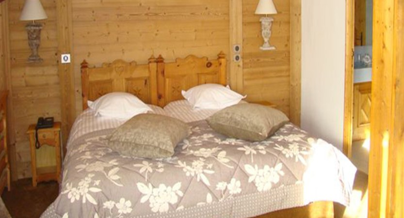 Hotel Ducs de Savoie - Bedroom