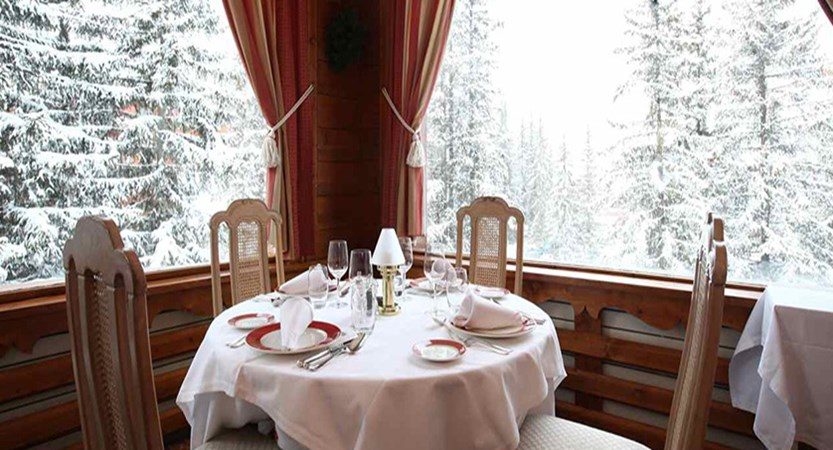 Hotel Ducs de Savoie - Dining with a view