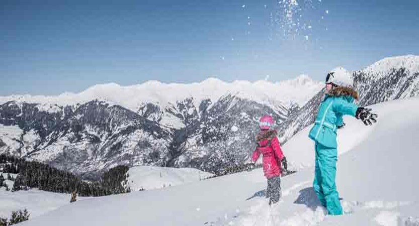france_three-valleys_courchevel_children-in-the-snow.jpg