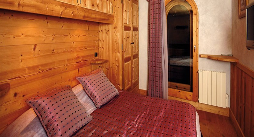 Eterlou apartments bedroom