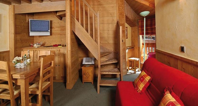 Eterlou apartments living area (1)