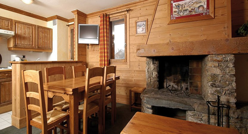 Eterlou apartments - kitchen/diner