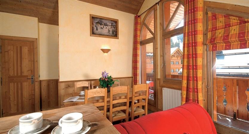 Eterlou apartments living area (2)