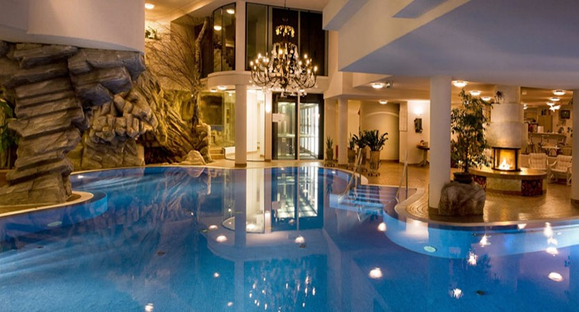 Hotel Ferienart Resort & Spa, Saas-Fee, Switzerland - indoor pool.jpg
