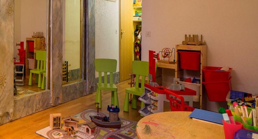 Hotel Ferienart Resort & Spa, Saas-Fee, Switzerland - playroom.jpg