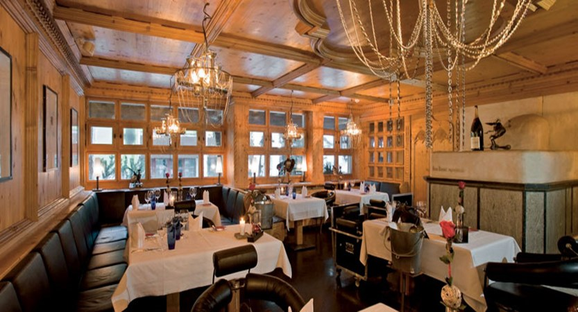 Hotel Ferienart Resort & Spa, Saas-Fee, Switzerland - Vernissage restaurant.jpg