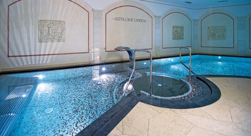 Ita_Selv_Mignon_indoor-pool.jpg