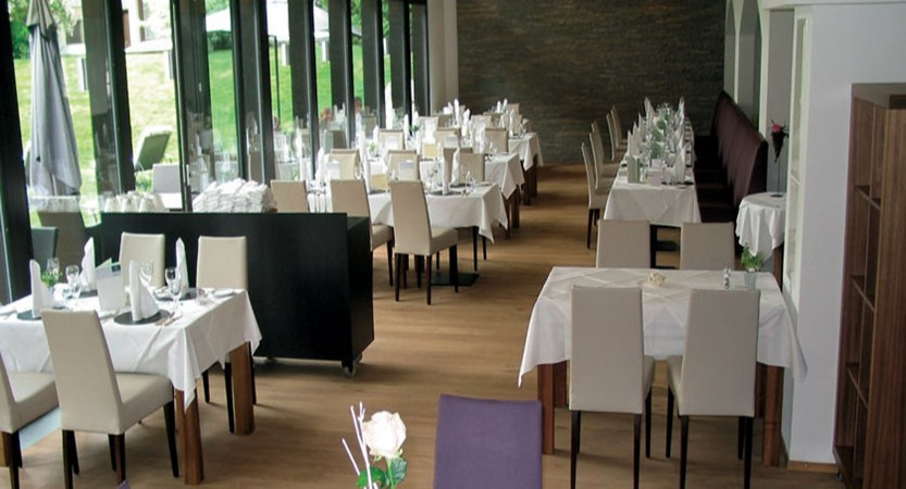 Hotel Mirabeau, Zermatt, Switzerland - dining room.jpg