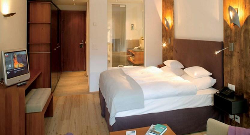 Hotel Mirabeau, Zermatt, Switzerland - double bedroom interior.jpg