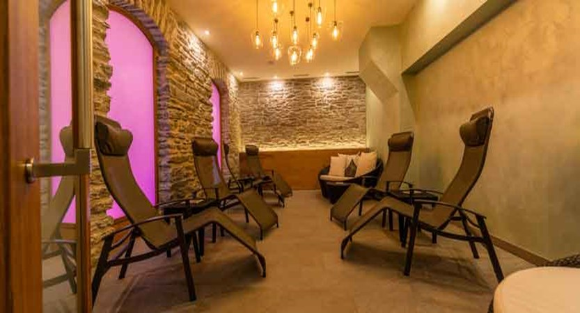Parkhotel Beau Site, Zermatt, Switzerland - relaxation room.jpg