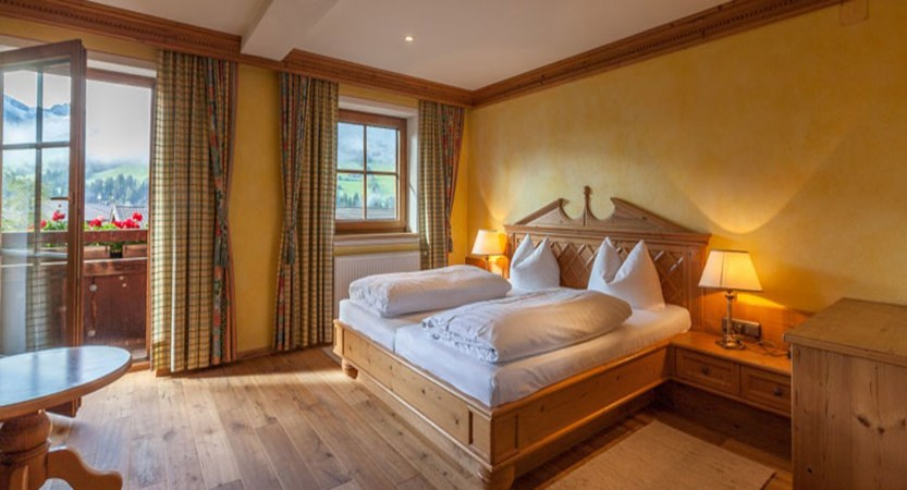 Hotel Post, Alpebach, Austria - twin bedroom with balcony.jpg