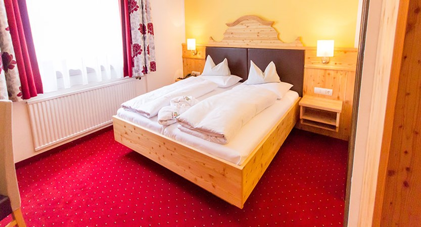Hotel Trattlerhof, Bad Kleinkirchheim, Austria - double bedroom interior.jpg