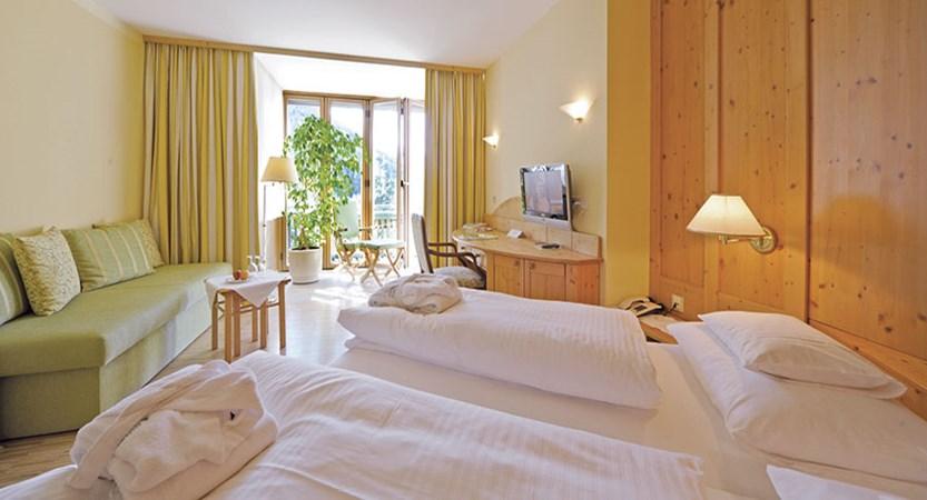 Hotel Eschenhof, Bad Kleinkirchheim, Austria - bedroom.jpg