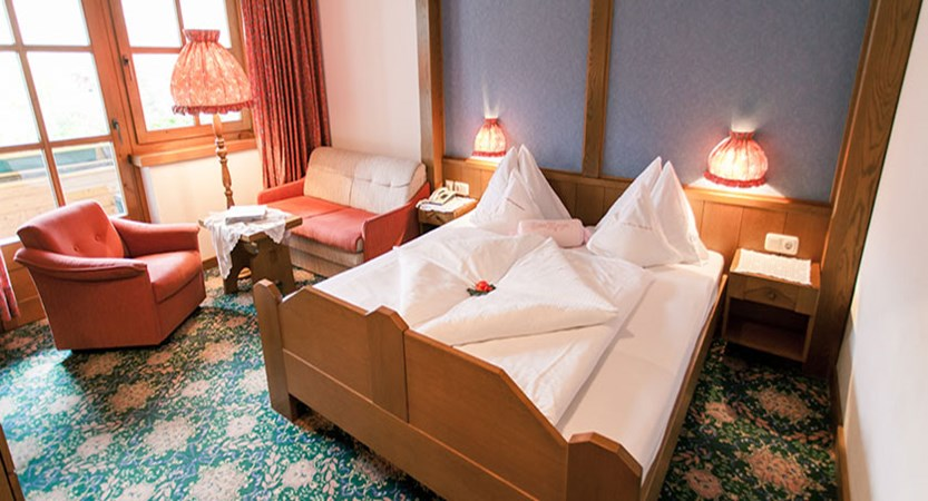 Hotel Kolmhof, Bad Kleinkirchheim, Austria - double bedroom interior.jpg