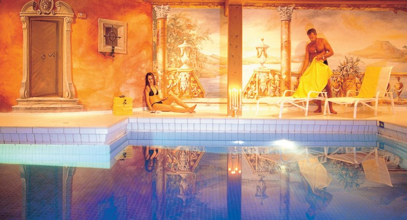 Hotel Der Bär, Ellmau, Austria - indoor pool.jpg