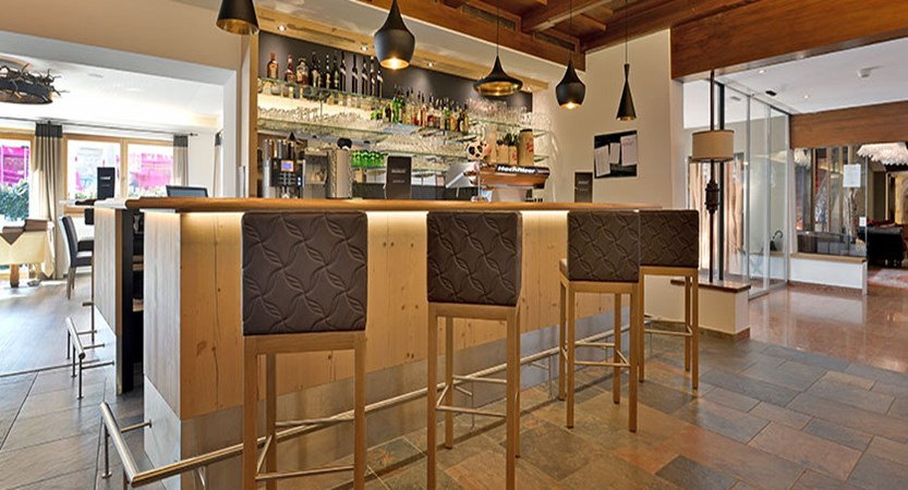 Hotel Hochfilzer, Ellmau, Austria - Bar.jpg