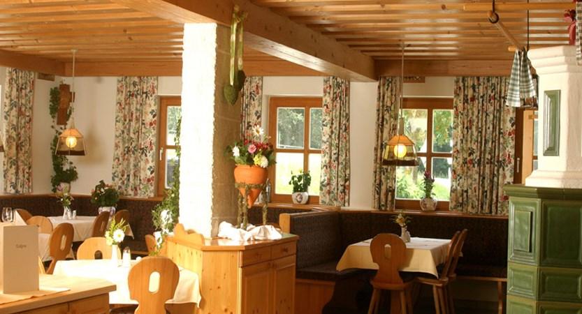 Hotel Hammerhof, Filzmoos, Austria - restaurant interior.jpg