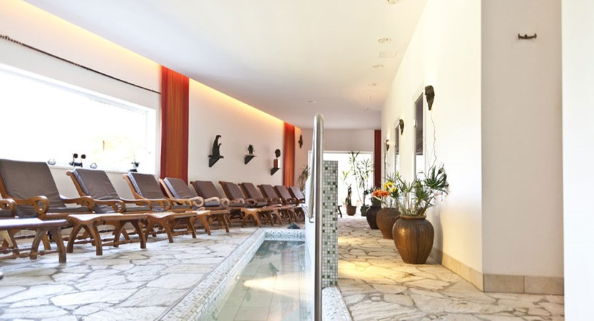 Hotel Alpenkrone, Filzmoos, Austria - relaxation area.jpg