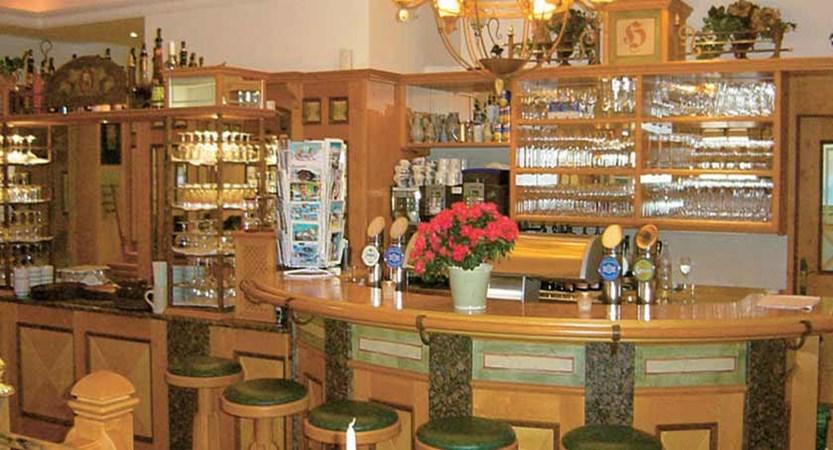 Hotel Hanneshof, Filzmoos, Austria - Bar.jpg