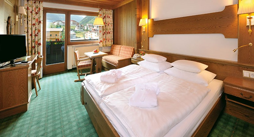 Alpenhotel Tirol,Galtür, Austria - bedroom with balcony 2.jpg