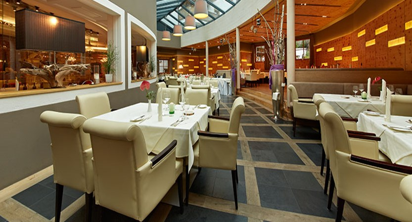 Hotel Alpine Palace, Hinterglemm, Austria - Restaurant.jpg