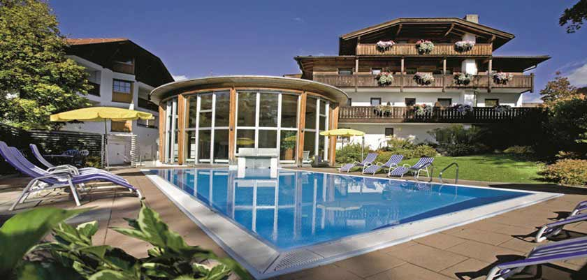 Hotel Bon Alpina, Igls, Austria - outdoor pool.jpg