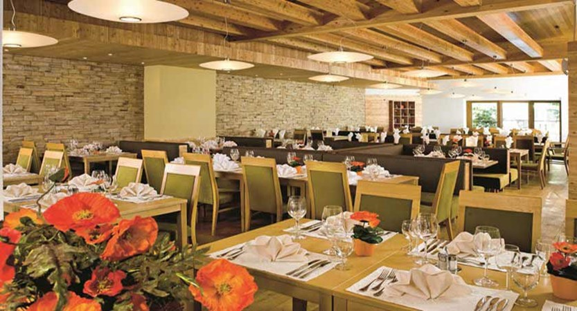 Hotel Bon Alpina, Igls, Austria - Residents' restaurant.jpg