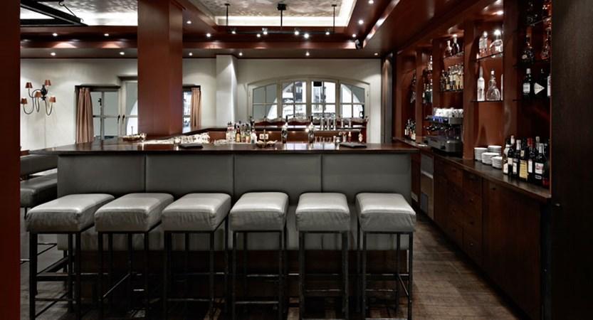 Schwarzer Adler, Kitzbühel, Austria - bar and lounge.jpg