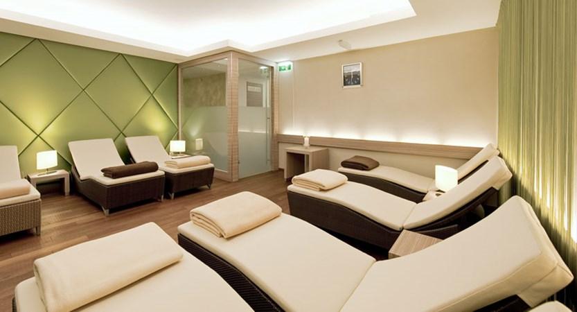 Hotel Schweizerhof, Kitzbühel, Austria - relaxation area.jpg