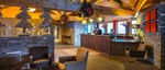 france_three-valleys-ski-area_les-menuires_hotel-le-kaya_reception-lobby.jpg