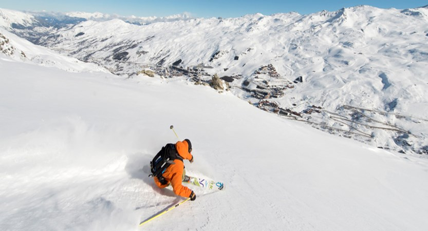 france_three-valleys-ski-area_les-menuires_skier.jpg