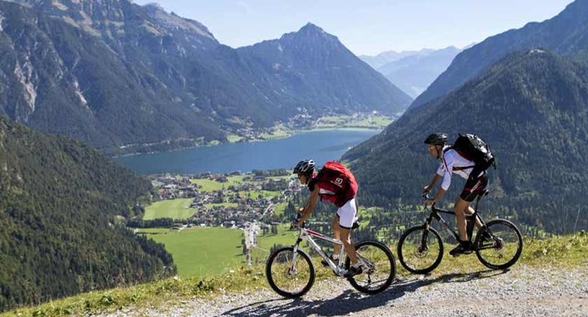 Austria_Lake-Achensee_Pertisau_Cyclists-trail.jpg